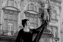 Socha Svatého Floriána na náměstí v Nové Pace.