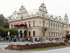 Zemní práce na bělohradském náměstí.