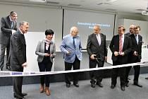 Ze slavnostního otevření Ovocnářského výzkumného institutu v Holovousích.