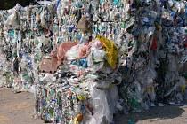 Ilustrační foto - plastový odpad k dalšímu zpracování.