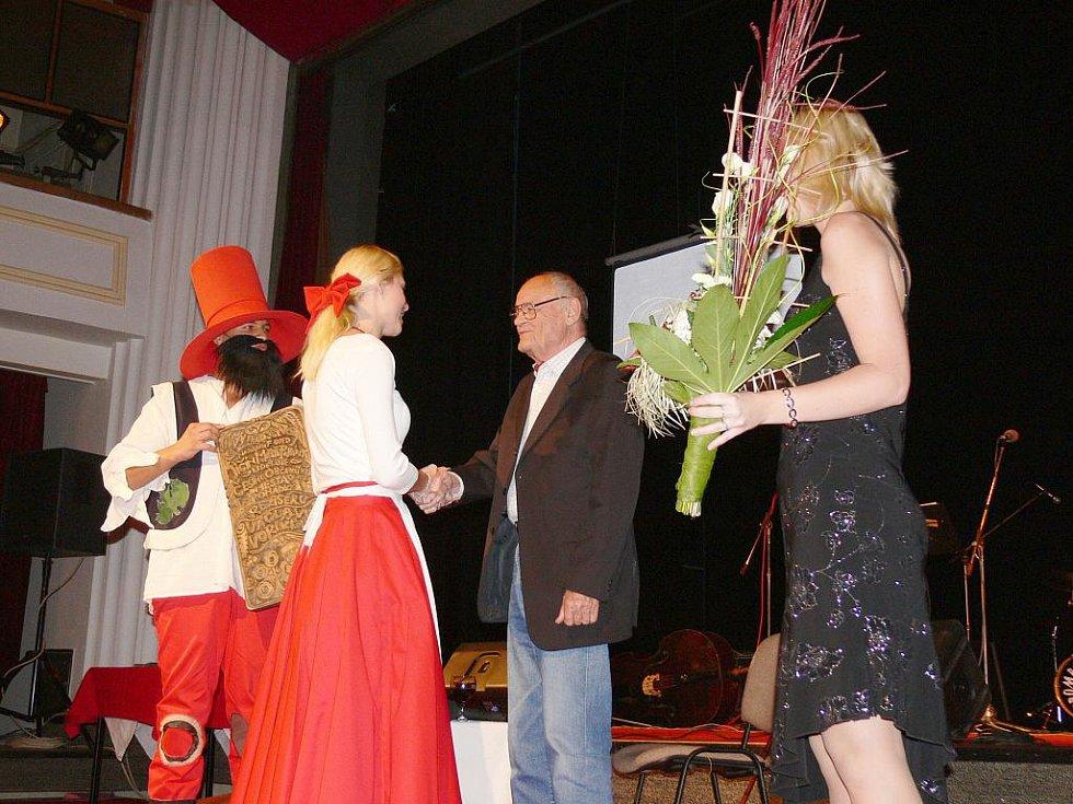 Z pořadu v kulturním domě s Václavem Vorlíčkem.