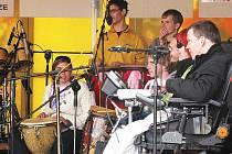 Sekce bicích orchestru Tap Tap.
