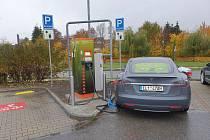 Nová dobíjecí stanice pro elektromobily.