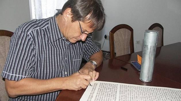 Starosta Ivan Doležal popisuje současný život v Hořicích pro budoucí generace.