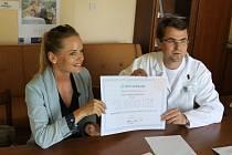 Kateřina Klasnová obdarovala jičínskou nemocnici.
