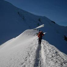 Cesta na vrchol Mont Blancu.