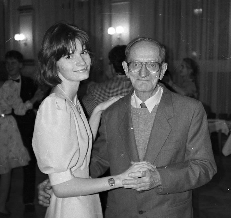 Taneční 1998 - volenka pro dědu Oldřicha.