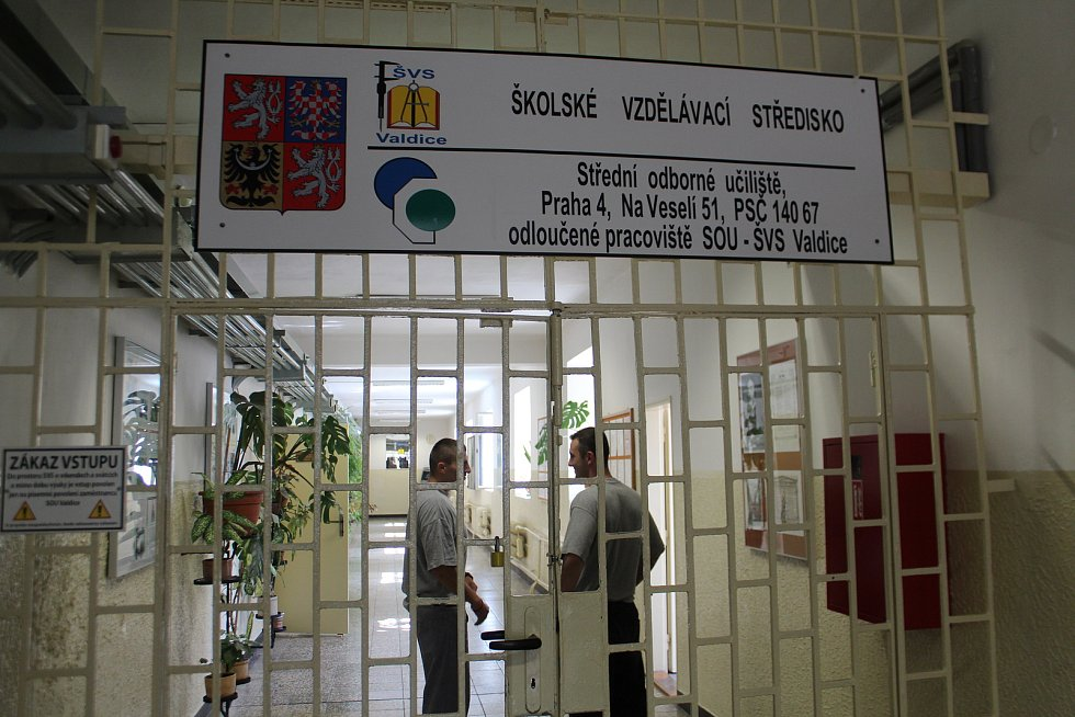 Devatenáct vězňů z Valdic získalo výuční list.