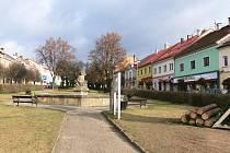 Hořické náměstí po vykácení stromů.