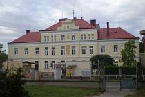 Budova hořické nemocnice postavená v roce 1914.