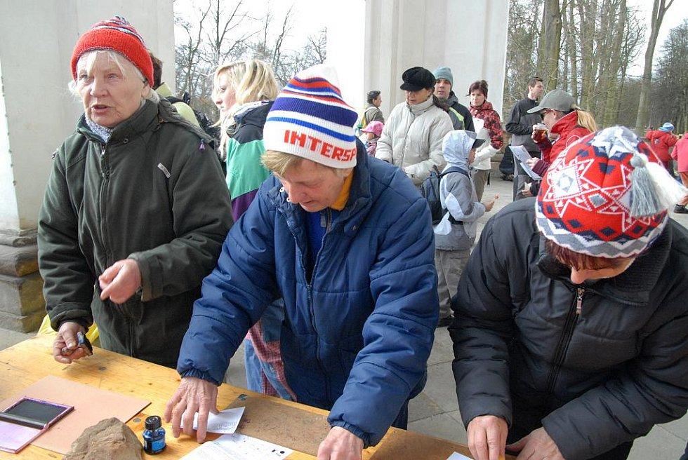 Ze 45. ročníku jičínského pochodu za Rumcajsem.