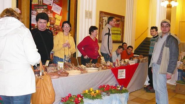 Vánoční trhy v jičínském Masarykově divadle.