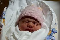 Ester Nalezencová přišla na svět 6. listopadu s mírou 50 cma váhou 3,68 kg. Z narození první dcerky se radují Eliška Današová a Lukáš Nalezenec z Bělé u Pecky.