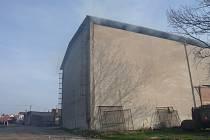 Požár skladovací haly v Libuni.