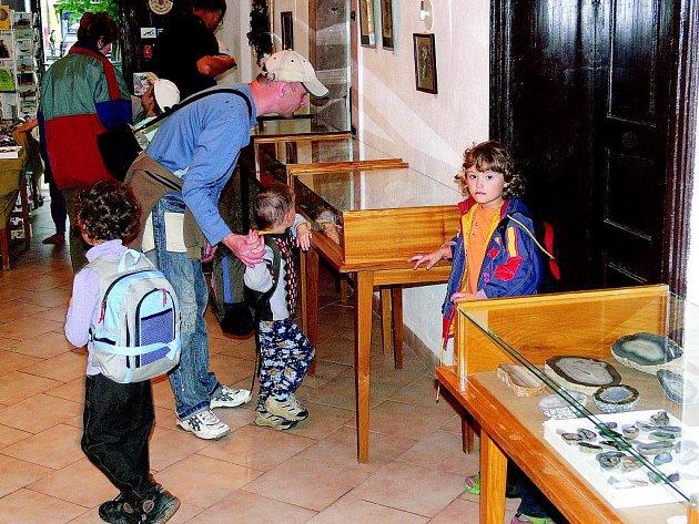 O expozici kamenů v lomnickém muzeu mají zájem především turisté.
