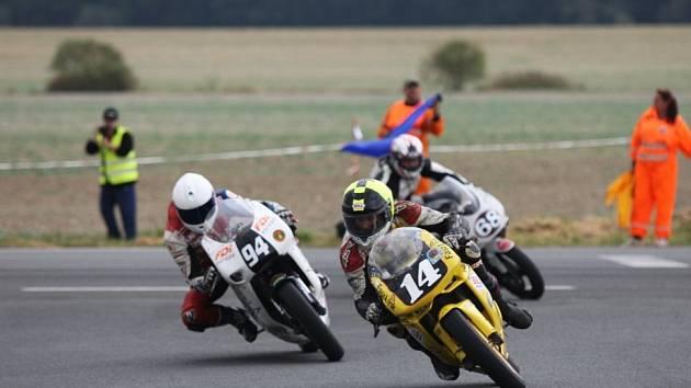 Závody motocyklů Dymokurský okruh.