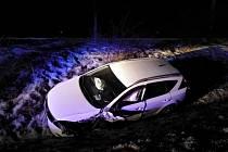 Nehoda BMW u Plhova.