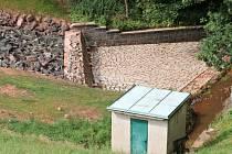 Oprava vodní nádrže v Jahodnici.
