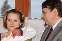 Hejtman Lubomír Franc ocenil první miminko kraje.