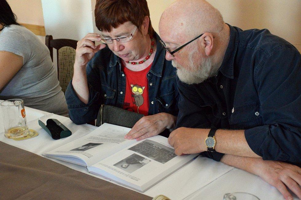 Martin Vágenknecht napsal knihu o historii řemesel v Mlázovicích.