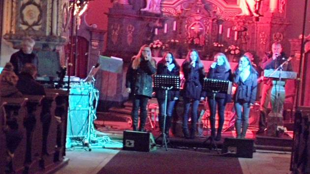 Koncert Miroslava Vobořila v konecchlumském kostele.