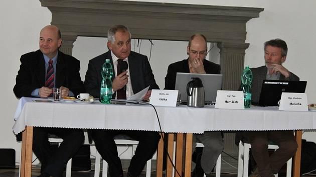 Veřejné zasedání jičínských zastupitelů.