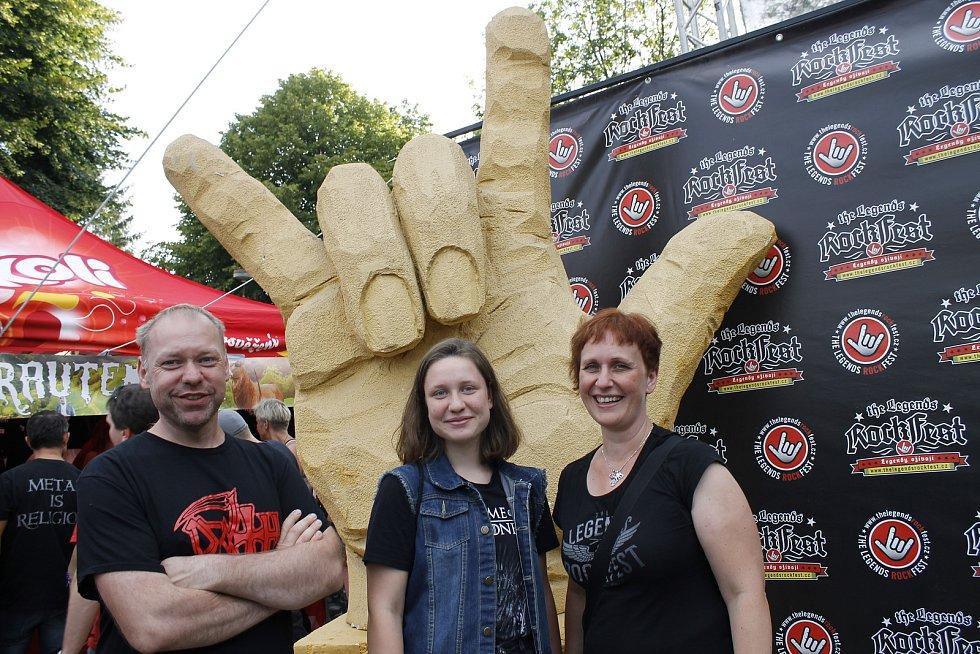 Hořický festival The Legends Rockfest přilákal do kempu Pod Věží přes čtyři tisíce účastníků.