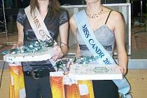 Miss Candr Kateřina Seifertová (vlevo) a vicemiss Veronika Klabanová z Nedaříže.