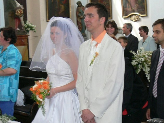 Ředitel hořického Biografu Na Špici Petr Moravec a Jana Brožová byli oddáni v kostele Narození Panny Marie.