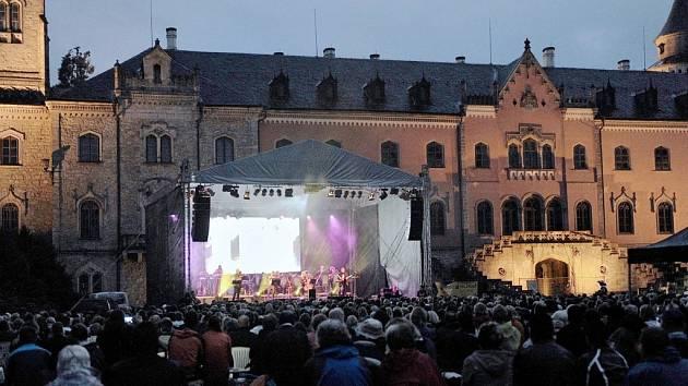 Koncert na zámku Sychrov.