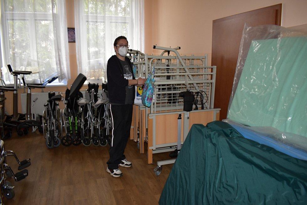 Hospic Duha v Hořicích půjčuje i zdravotní pomůcky.
