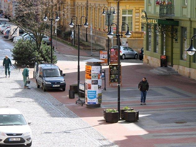 Prostor před hotelem Praha.