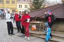 Na jedné z kontrol Kufrování s Krakonošem v centru jilemnického náměstí.