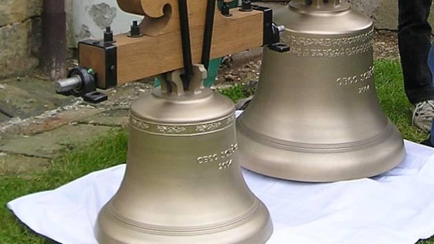 Ilustrační foto - nové bronzové zvony.
