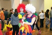 Dětský karneval v sokolovně v Čisté.