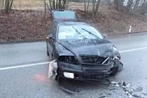 Dopravní nehoda na silnici I/16 u Vidochova na Novopacku.