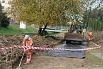 Výstavba nové cyklostezky podél Cidliny.