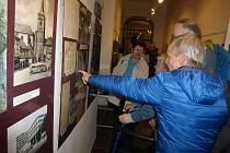 Z vernisáže výstavy v jičínském muzeu.