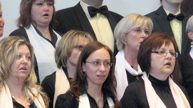 Koncert sboru Smetana v jičínském Porotním sále.