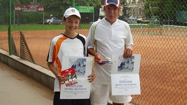 Úspěšná dvojice - Patrik Matouš (vlevo) a Matěj Faltejsek, kteří vybojovali titul přeborníka oblastí Východních Čech.