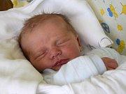 Daniel Ticháček se narodil 7. prosince s mírou 48 cm a váhou 3,08 kg šťastným rodičům Janě a Jaroslavu Ticháčkovým. Ti si svoje miminko odvezli domů do Staré Paky, kde se na bratříčka těšil čtyřletý Jaroslav.