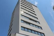 Jedenáctiposchoďová budova hotelu reStart v Jičíně.