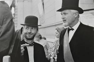 Jaromír Gottlieb a Jaroslav Veselý při 2. ročníku Jičína - města pohádky v roce 1992. Foto: Pavel Charousek.