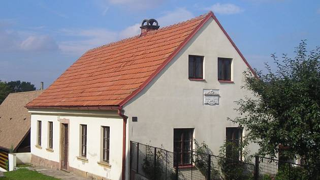 Rodný domek Karla Jaromíra Erbena v Miletíně.