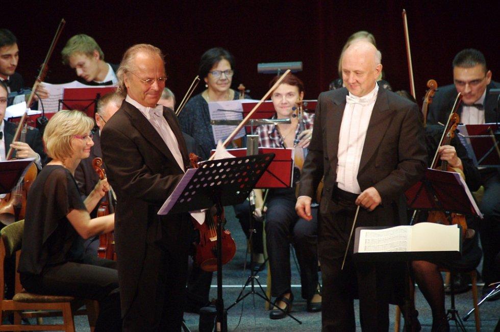 Libáňský koncert s Václavem Hudečkem.