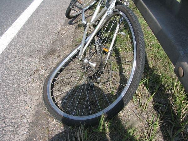 Ze střetu automobilu s cyklistou.