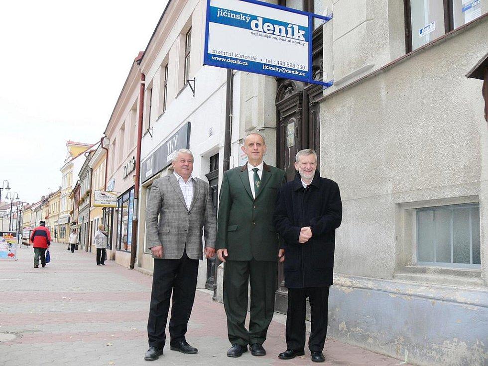 Kandidáti na senátorská křesla Josef Táborský, Otakar Ruml a Jiří Hvězda (zleva).