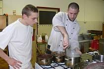 Kuchaři v bělohradském učilišti.