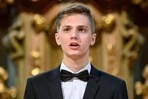 Velkého úspěchu dosáhl talentovaný hořický tenorista a varhaník Filip Šťovíček složením přijímacích zkoušek a přijetím na HAMU v Praze pro obor sólový zpěv.