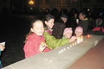 Ze setkání 17. listopadu na náměstí u kašny.